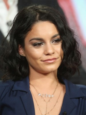 Vanessa Hudgens Curled Out Bob Perücke Fashion Promi